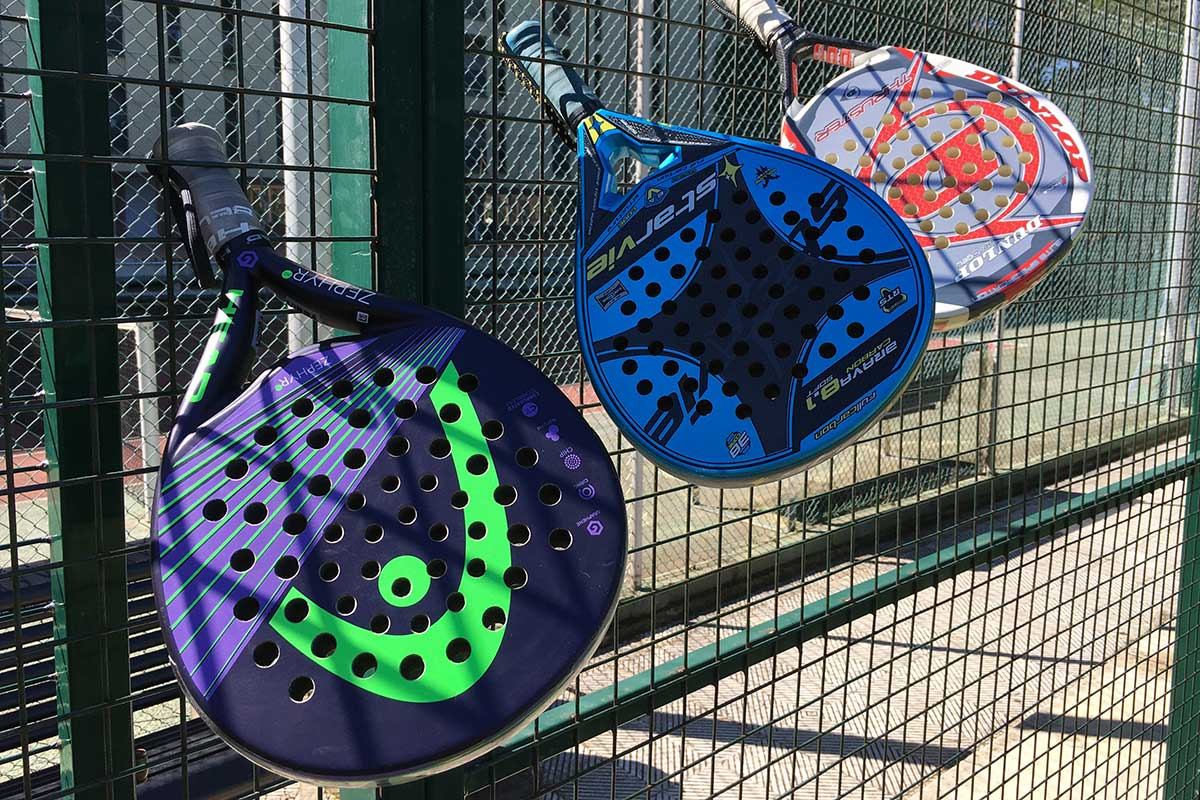Four tips for learning to play padel tennis with multiple rackets.