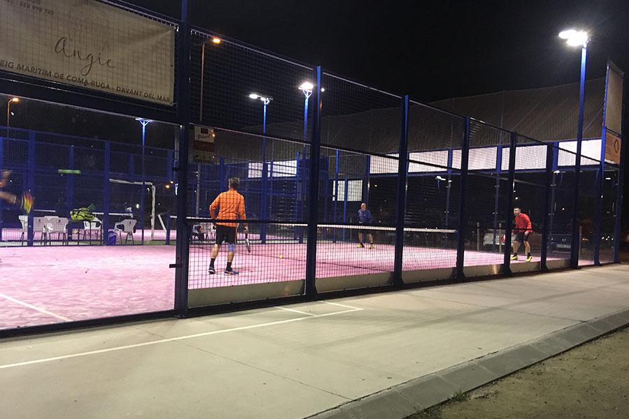 Как поддерживать отличную физическую форму с помощью падел-теннис?